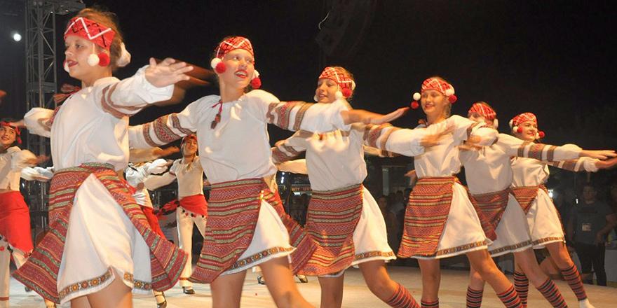 Pulya Festivali'nde renkli gece