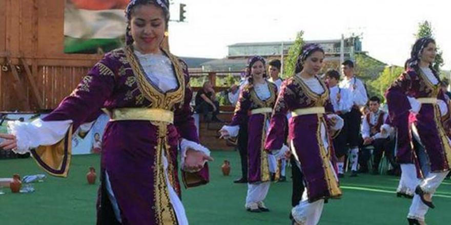 OKSEM Halk Dansı Ekibi Macaristan'da sahne aldı