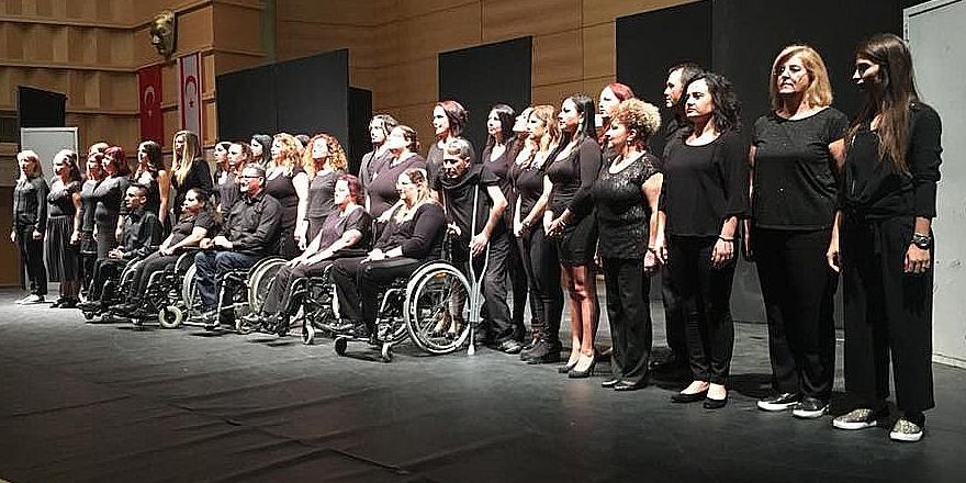 """Karatahta"" Güzelyurt'ta sahnelendi"
