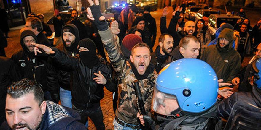 """""""Her türlü faşizme ve ırkçılığa hayır"""""""