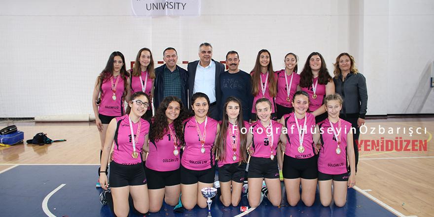 Kızlarda Çanakkale, erkeklerde Erenköy şampiyon