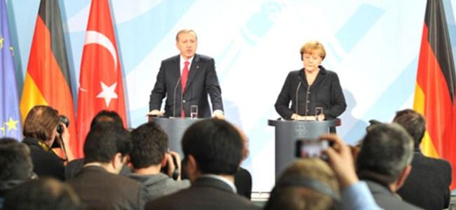 Erdoğan: Çözümden yana tavır görürsek destekleriz