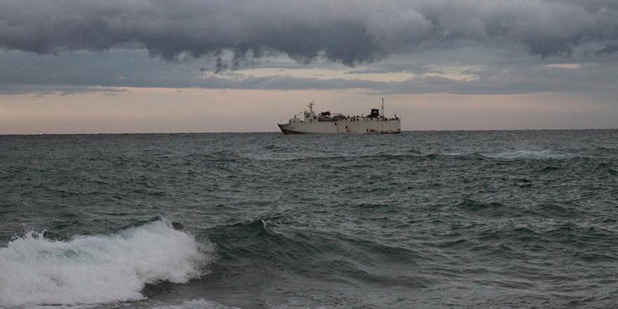 Doğu Akdeniz'de 3 gemi faaliyette