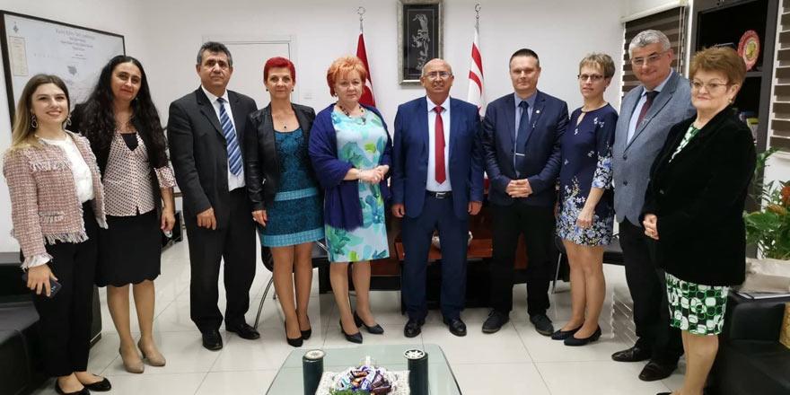 KTÖS, Macaristan Öğretmen Sendikası'nı ağırladı