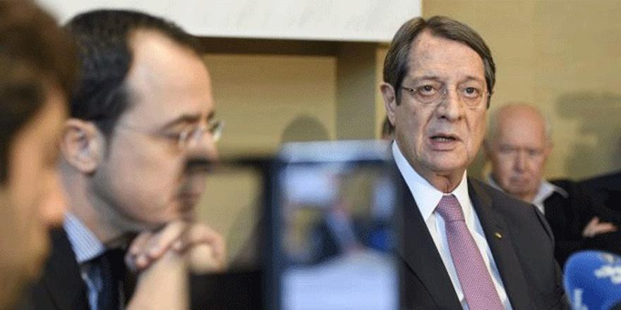 Kıbrıs anketi: Anastasiadis'e güven azaldı