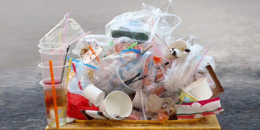 Tek kullanımlık plastik ürünler tedavülden kalkıyor