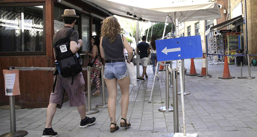 'Kaçak göç'e karşı geçişlere gözaltı
