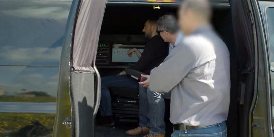 'Casus van' 1 milyon telefon kaydetti