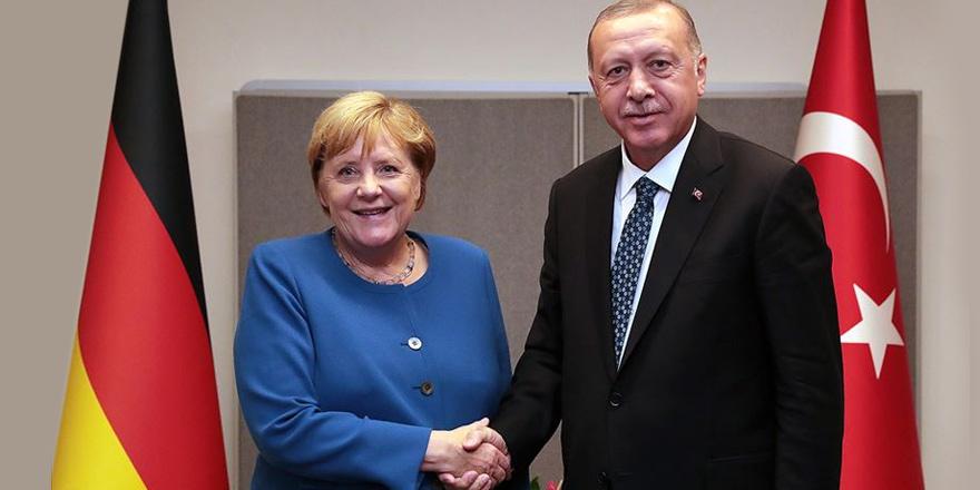 Anastasiadis'in mesajını Merkel iletecek