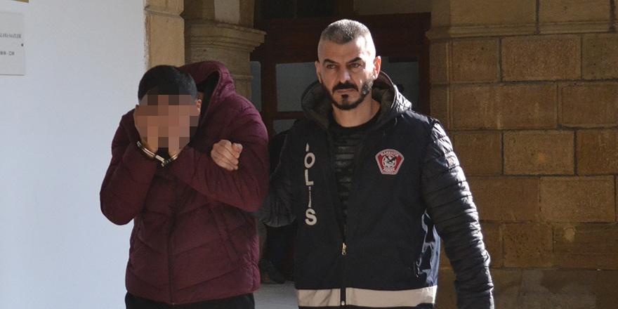 Turist vizesiyle geldi, uyuşturucudan tutuklandı