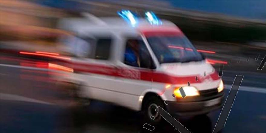 Beton mikser ile salon araç çarpıştı: 3 yaralı