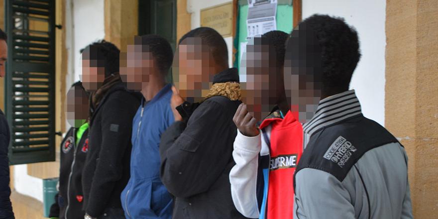 Askeri bölgeyi ihlal'e 3 gün tutukluluk