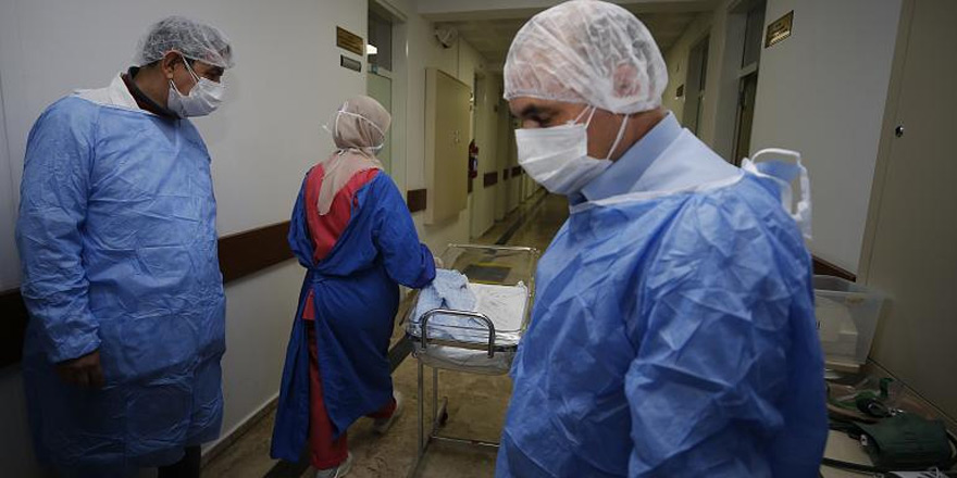 Türkiye'de coronavirüsden can kaybı 2 bin 805'e yükseldi