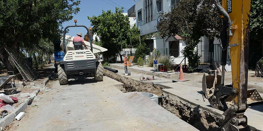 Gönyeli'de bir sokak ve çevresi daha kanalizasyona bağlanıyor