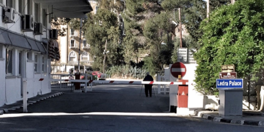 Ledra Palace yaya geçişlerine açılıyor