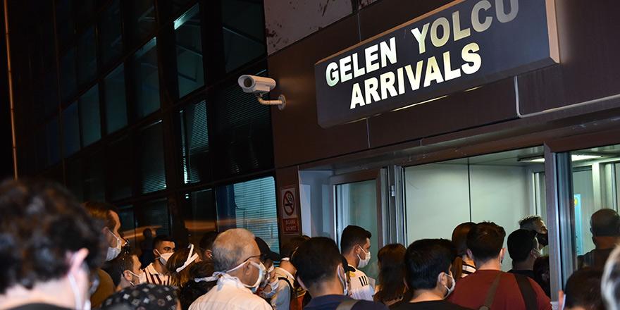 Yılbaşında 'karantinasız' 6 bin yolcu gelebilir!