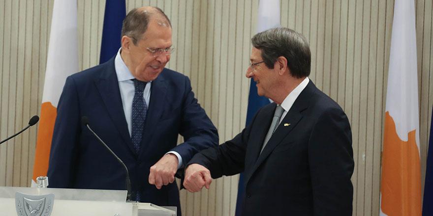 Lavrov'dan 'iki toplum arasında diyalog' çağrısı