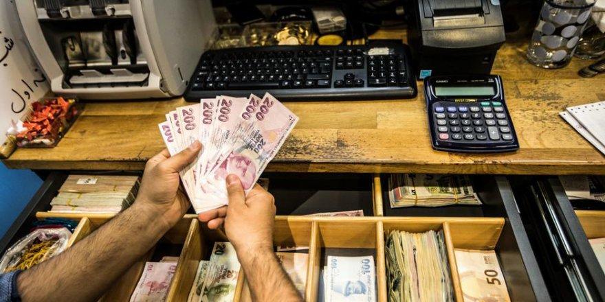 TL, Dolar ve Euro karşısında eriyor