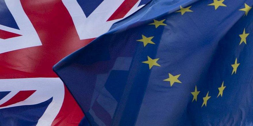 Avrupa'da vizesiz seyahat için İngilizler AB vatandaşlığı 'satın alıyor'