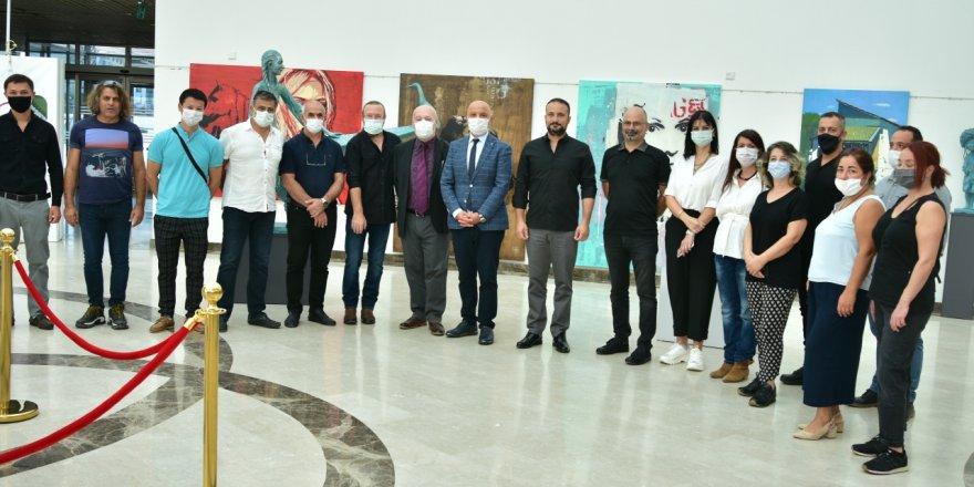 """""""Güzel Sanatlar Cumhuriyet Sergisi"""" YDÜ'de açıldı"""