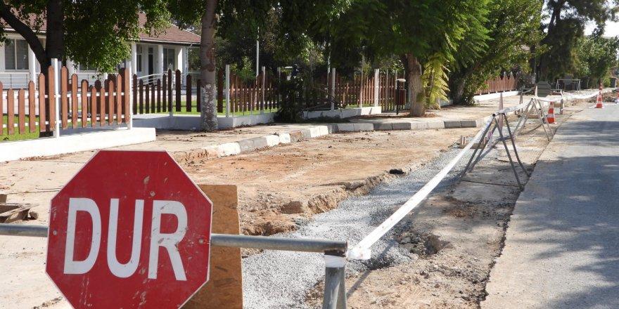 İskele Belediyesi yağmur suyu drenaj hattı çalışmalarını sürdürüyor