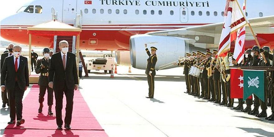 """CHP'i Özkoç: """"Kıbrıs'a 8 uçakla gittiler"""""""