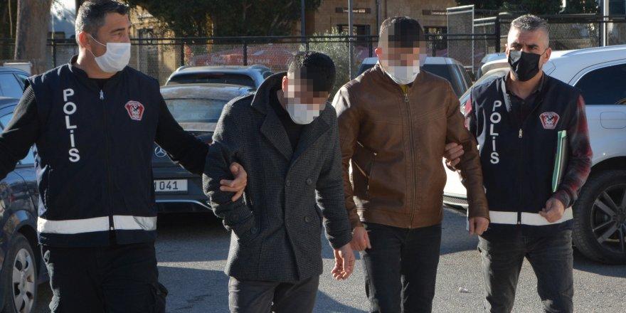 Uyuşturucu zanlıları 4 gün daha tutuklu