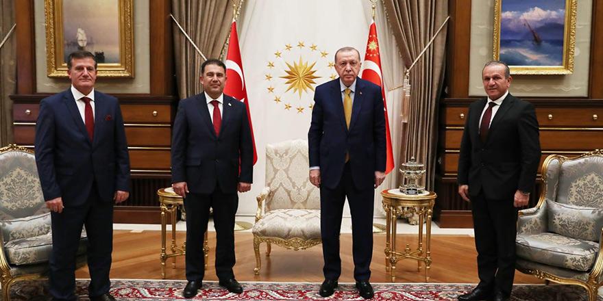 """""""Türkiye'den 500 bin aşı gelecek"""""""