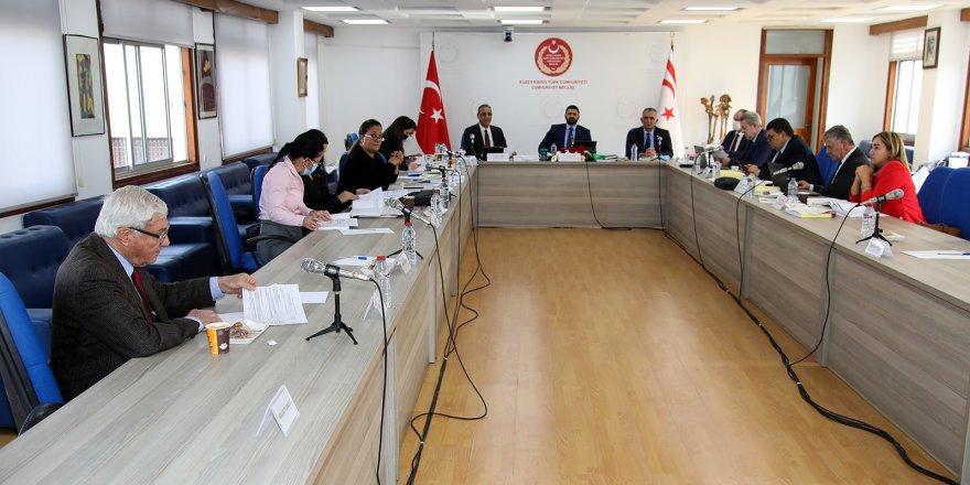 Başbakanlık, Tarım, Eğitim ve Turizm Bakanlığı bütçeleri onaylandı