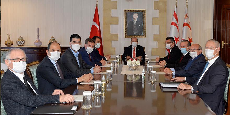 Tatar, meclisteki parti başkanlarıyla görüştü