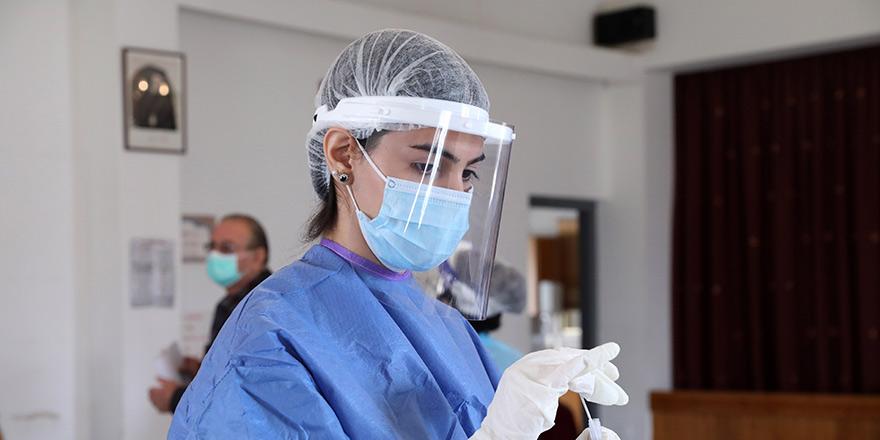 """Tsioutis: """"Pandemi 2022'ye kadar var olabilir"""""""