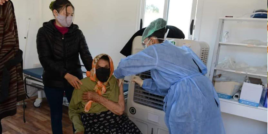 Cengiz Topel Hastanesi'nde 160 kişi aşılandı