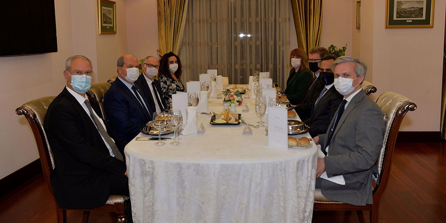 Tatar, Stephen Lillie ve Ajay Sharma ile çalışma yemeğinde bir araya geldi