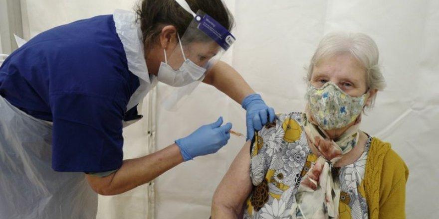 Covid-19 aşısının virüsün bulaştırılmasını yavaşlattığı tespit edildi