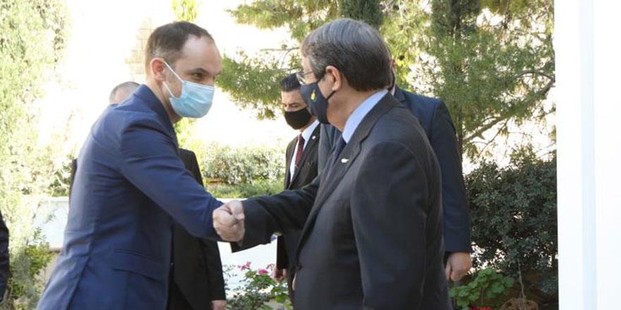 Anastasiadis, Slovenya Dışişleri Bakanı Anze Logar'la görüştü