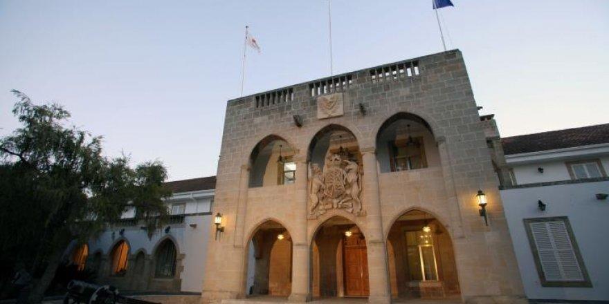 AB ve BM yetkilileri AB zirvesi ve Kıbrıs'la ilgili gayrı resmi toplantı öncesinde Lefkoşa'da bekleniyor