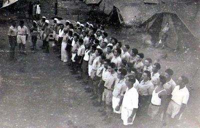 10-9-2017-yahudi-muhacirler-20---zeki-gursel-148-jewish-survivors-at-the-camps-in-famagusta-3.jpg
